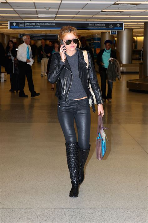 Bella Thorne at Chicago's O'Hare International Airport