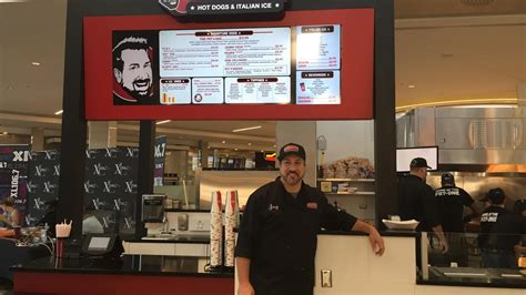 Joey Fatone's hot dog eatery opens at Florida Mall