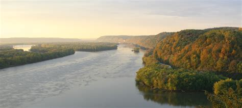 Things To Do - Effigy Mounds National Monument (U
