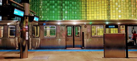 Rapid Transit Trains to Chicago Airports (O'Hare & Midway