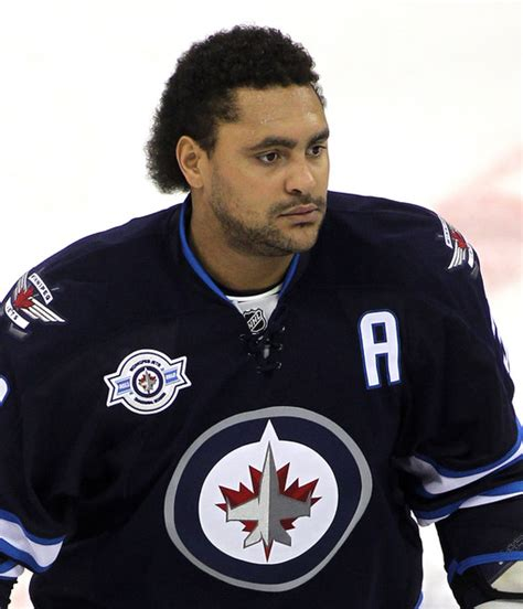 Dustin Byfuglien weighed 300 pounds by end of 2013 season?