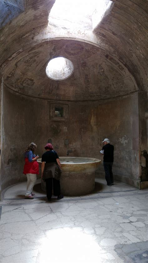 Ruins of Pompei : Southern Italy   Visions of Travel