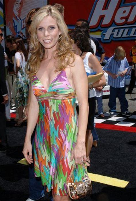 Cheryl Hines Bra Size, Age, Weight, Height, Measurements