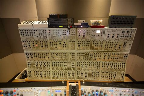 DeadMau5 Builds A Lair Of Unadulterated Synth Power
