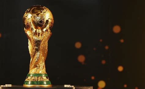 What is the World Cup trophy made out of, how much does it