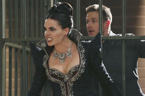 'Once Upon a Time': A tale of two queens in 'Shattered