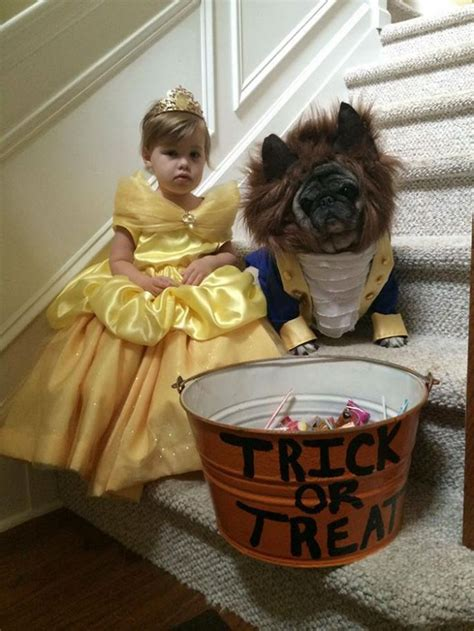 24 Clever Halloween Costumes That Are Absolutely Perfect