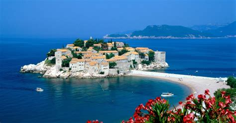 Phoebettmh Travel: (Montenegro) – Visiting pearl of the