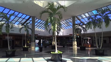 Dead malls of America documented in nostalgia-filled video