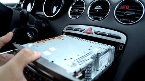 Peugeot 308 - Audio unit removal and refitting - YouTube