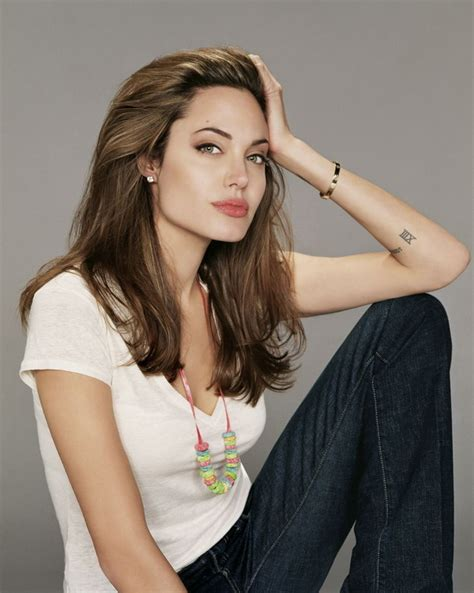 20+ Amazing Angelina Jolie Tattoos Pictures - Hative