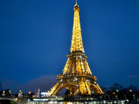 Discovering French culture and language: Paris and the