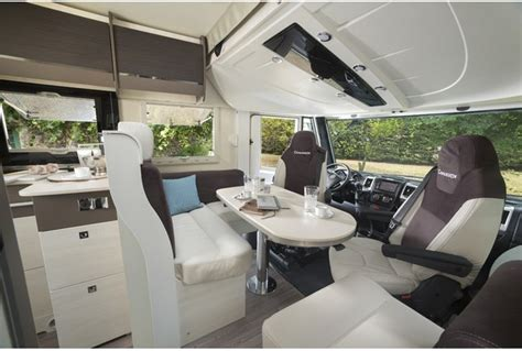 Location camping-car Intégral Luxe   Hertz Camping-Cars