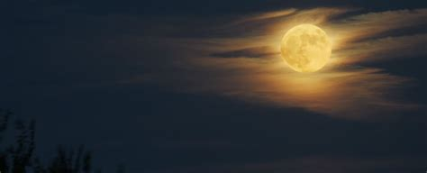 A Rare Hunter's Supermoon Will Appear This Weekend - Here