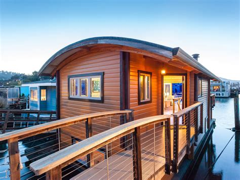 Sausalito Houseboat: What Dreams Are Made Of