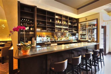 What to Eat at Bâtard, Drew Nieporent's New Fine-Dining